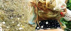 Foto accessori ispirati agli anni '20.  Colletto realizzato a mano arricchito da perline ghiaccio e paillettes fiore color panna, contornato da paillettes argento. Chiusura centrale ricamata di perline lunghe argento .