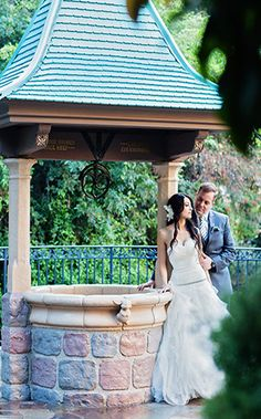 Marrying the love of your life- what more could you wish for? #Disneyland #wedding