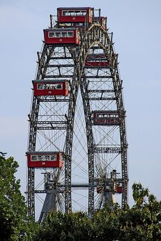 La roda del Prater / The Prater wheel: Vienna,Austria. Carina and I rode this…
