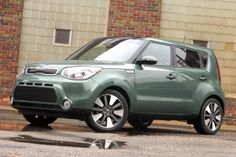 2014 Kia Soul front view - Photo © Aaron Gold
