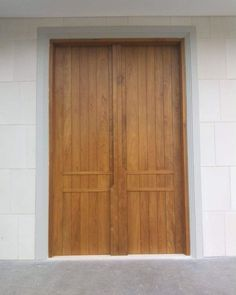 Apart from the aesthetic and durability benefits, solid wood door also cuts down substantially on traveling sound. It keeps the house quiet and allows people to engage in a variety of activities around your house without upsetting each other. Contemporary Architecture, Architecture Details, Wood Doors, Solid Wood, Traveling, Woodworking, Activities, Interior Design, People