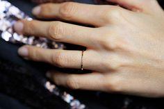 Fino anillo de diamante oro Pave Diamond banda delgado
