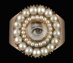 LOOK OF LOVE: EYE MINIATURES FROM THE SKIER COLLECTION