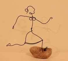 My life in wire! by Randi Wire Art Sculpture, Wire Sculptures, 5th Grade Art, Wire Crafts, Recycled Art, Wire Work, Metal Art, Creative Art, Art Lessons