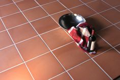 Traditional Red Quarry Tiles Traditional Quarry Quarry Tiles from Walls and Floors - Leading Tile Specialists - Over 20 Million Tiles In Stock - Sold Per SQM Quarry Tiles, Travertine Tile, Stone Flooring, Kitchen Flooring, Hexagon Mosaic Tile, Edwardian House, Floor Finishes, Wall Tiles, Color Mixing