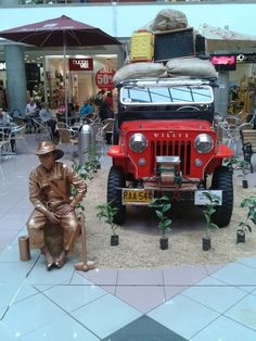 Muestra de jeep en #Pereira #Colombia @Dituristico Largest Countries, Countries Of The World, Thirty Two, Spanish Speaking Countries, How To Speak Spanish, The Republic, Jeep, Two By Two, Mexico