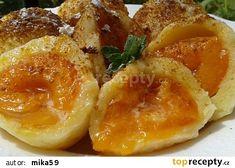 Rychlé meruňkové knedlíky z tvarohového těsta recept - TopRecepty.cz Dumplings, Grapefruit, Baked Potato, Food To Make, Shrimp, French Toast, Food And Drink, Eggs, Bread