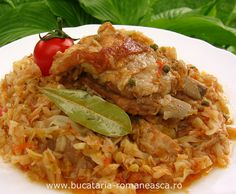 Varza dulce cu costite de porc Romanian Food, Romanian Recipes, European Cuisine, Home Food, Lunches And Dinners, No Cook Meals, I Foods, Food La, Supe