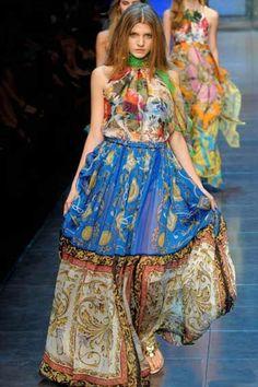 http://www.thebeautyinsiders.com/beauty_images/d-g-ss-2012-milan-fashion-week-02.jpg