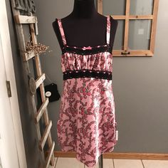 Betsey Johsnon Intimates Pink Floral Black Lace Trimmed Satin Night Gown M #BetseyJohnson #Sexy #Glamour