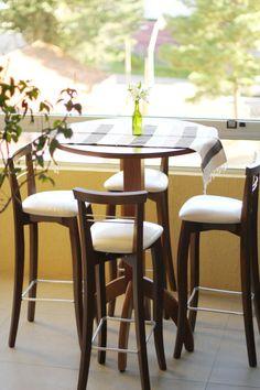 1000 images about varandas on pinterest mesas madeira - Mesas redondas pequenas ...