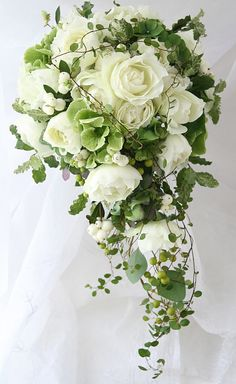 ブーケ セミキャスケード コルディアーレ青山の新婦様より : 一会 ウエディングの花