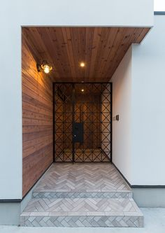 Benefits that you could derive by using the interior wood doors for your home or office. Door Design Interior, Exterior Design, Interior And Exterior, Window Grill Design, Gate Design, Modern House Design, Wood Doors, Home Decor Styles, Modern Architecture