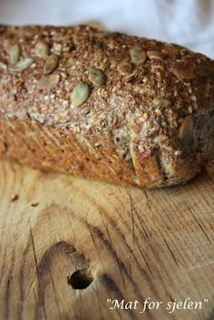 Mat for sjelen …: Lavt karbo grovt brød … – Oppskrifters Gluten Free Recipes, Bread Recipes, Low Carb Recipes, Healthy Recipes, Healthy Food, Our Daily Bread, Bread Rolls, Bread Baking, Lchf