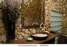 I am so loving the stone walls in the bathroom, for some reason.  Wonder how they'd be for cleaning though...