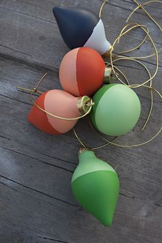DIY: color blocked ornaments