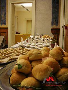Buffet. Finger food a km zero. #fingerfood #kmzero #aperitivo #buffet #regionalfood #event #eventplanner #congress www.mseventi.com