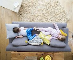 Tips To Remove Water Spots From Upholstered Kids Furniture Grey Vinyl Plank Flooring, Vinyl Wood Planks, Luxury Vinyl Flooring, Remove Water Spots, Bastilla, Stock Foto, Nantucket, Family Activities, Living Room