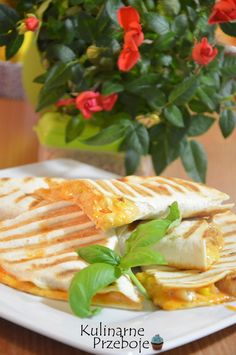 Hawajska tortilla z kurczakiem i ananasem; hawajska tortilla, tortilla z…