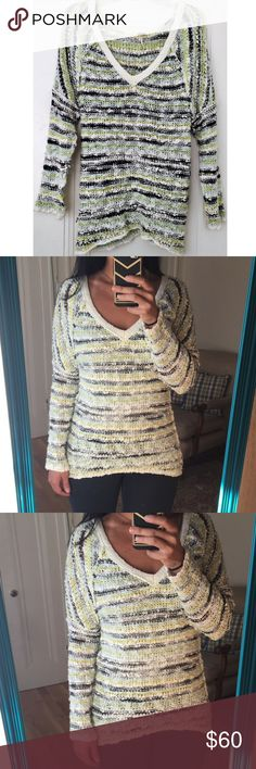 Free People Tunic Cute tunic. Size XS. Great condition. Great condition. NO TRADES OFFERS WELCOME Free People Sweaters Crew & Scoop Necks