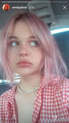 Emily Alyn Lind, Natalie Alyn Lind, I Love Girls, Cool Girl, Gossip Girl Reboot, Girl Crushes, Pink Hair, Pretty People, Beautiful People