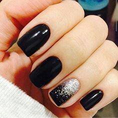 Manicure designs matte silver nails New ideas Black Nails With Glitter, Silver Nails, Black Shellac Nails, Dark Gel Nails, Black Nail Designs, Nail Art Designs, Cute Nails, Pretty Nails, Nail Art Noel