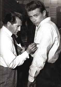 James Dean the Giant getting his shirt painted on