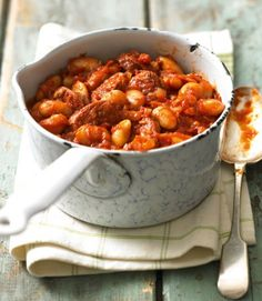 Hearthy Spanish-style stew with butter beans and chorizo. Not too expensive and quite tasty! For a twist try adding freshly ground cumin, top with fresh parsley and serve with crusty bread.