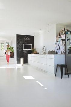 Denmark home - white kitchen House Interior, Home Deco, Home, House, Home Kitchens, Kitchen Dinning, Kitchen Design, Kitchen Interior, Kitchen Dining Room