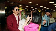 17 rare photos of Leslie Cheung from the style icon's golden time Kai Tak Airport, Hk Movie, Leslie Cheung, Golden Time, Cannes Film Festival, Rare Photos, Picture Show, Superstar, Random Stuff