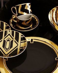 Black and gold dinner set – Glass Dishes for Meat & Dairy