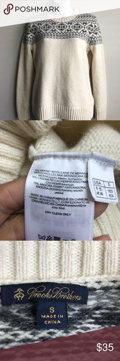 Brooks Brothers women's cream &gray sweater size s Super Soft Brooks Brothers women's cream &gray sweater 70% merino wool 15% cashmere and 15% angora rabbit hair size s Brooks Brothers Sweaters Crew & Scoop Necks