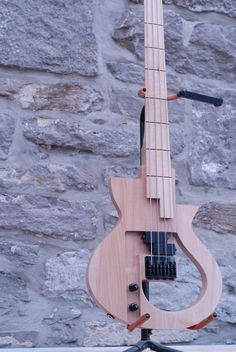 Cervelle Guitars AVP 200 bass