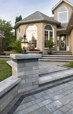 Lineo Dimensional Pillar and Artline Pavers with Series 3000 accent and Ledgestone - Photos Front Yard Walkway, Front House Landscaping, Landscaping Retaining Walls, Driveway Entrance, House Entrance, Backyard Patio, Backyard Landscaping, Model House Plan, Brick Patios