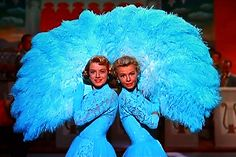 Sisters routine, White Christmas - Rosemary Clooney and Vera Ellen