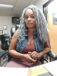 Luv mature women a lot Natural Hair Styles For Black Women, Beautiful Black Women, Natural Women, Silver Grey Hair, Gray Hair, Silver Haired Beauties, Grey Hair Don't Care, Ageless Beauty, Going Gray