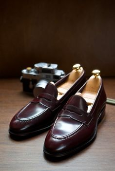 Uetam Loafer in Penny Cordovan Carmina at The Armoury… Sock Shoes, Men's Shoes, Shoe Boots, Dress Shoes, Penny Loafers, Loafers Men, Brown Loafers, Gentleman Shoes, Dress Loafers