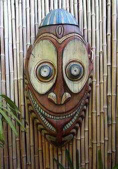 A classic Oceanic Arts tiki found at near the Spirit of Aloha dinner show at Disney's Polynesian Resort.