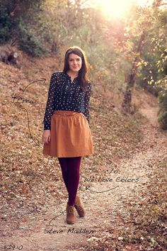 Fall style- burgundy colored tights, mustard skirt, navy blouse, and brown wedges Fall Winter Outfits, Autumn Winter Fashion, Autumn Style, Winter Style, Pretty Outfits, Cute Outfits, Mode Inspiration, Modest Fashion, Fashion Outfits