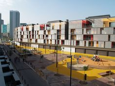 Galeria de Conjunto habitacional, comércio e estacionamentos / ONL Arquitectura…