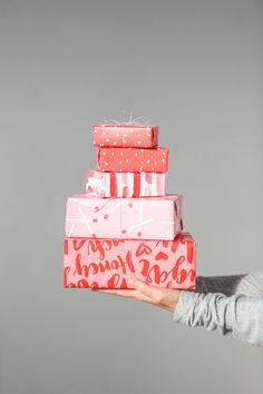 For the Makers: Valentine's Day Free Printable Gift Wrap // Pattern Wrapping Paper