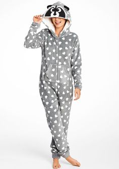 ONESIE POWER // Fancy fleece racoon style onesie #cute  #onesie #nightwear #lolaliza #fashion #lolalizafashion Adult Onesie Pajamas, Pyjamas, Cute Pajamas, Lazy Day Outfits, Funny Outfits, Stylish Toddler Girl, Cosy Outfit, Cute Onesies, Fall Fashion Outfits