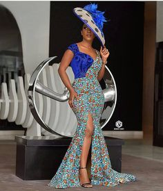 The right picture collection of 2018 latest ankara styles for ladies. Every woman deserves to rock the latest ankara styles of 2018 African Print Fashion, Africa Fashion, African Fashion Dresses, African Prints, Ankara Fashion, African Wear, African Dress, African Women, Ankara Long Gown Styles