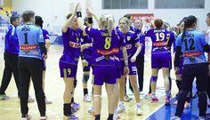 Corona Braşov a obtinut calificarea în semifinalele Cupei EHF la handbal feminin, dupa victoria obtinuta cu 29-21 (13-10) pe terenul formaţiei daneze HC Odense, iar azi a terminat la egalitate 21-21, în meciul retur din sferturile de finală ale competiţiei. | Stiri sportive