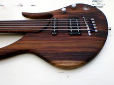 semi hollow fretless bass