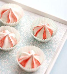 Star mint meringues