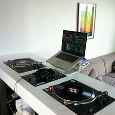 DJ Setup at home! I've wanted for years to learn how to DJ & still have not got to it! I want this ❤️