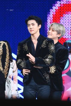 Sebaek - Sehun and Baekhyun Exo Ot9, Baekhyun Chanyeol, Kpop Exo, Exo Chanbaek, Kim Minseok, Exo Awards, Exo Group, Exo Official, Exo Couple