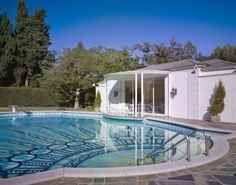 Classic Hollywood Style .   ... Holmby Hills .... 1936 .   ... PAUL R. WILLIAMS  .   ...    2/18/1894 -- 1/23/1980