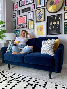 Blue Velvet Sofa Living Room, Blue Living Room Decor, Colourful Living Room, Living Room Sofa, Home Living Room, Living Room Designs, Living Room Ideas Navy Sofa, Navy Blue Velvet Sofa, Grey Couch Decor